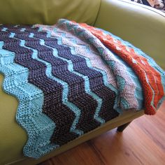 Knitted blanket pattern. Chevron stripes. Free. Mom! If you start now you might finish for my birthday!