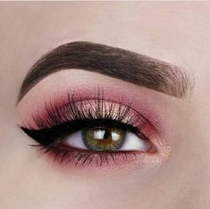 75 Most Gorgeous Pink Smokey Eyes Makeup. - 75 Most Gorgeous Pink Smokey Eyes Makeup Inspiration For Prom And Wedding – Page 31 of 75 – Dia - Makeup Eye Looks, Pink Eye Makeup, Eye Makeup Art, Natural Eye Makeup, Smokey Eye Makeup, Cute Makeup, Pretty Makeup, Eyeshadow Makeup, Applying Eyeshadow