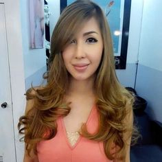 Cute hairstyles for long faces. Flattering hairstyles for oblong faces. Best hairstyles to break up the length. Perfect hairstyles for long faces for women. Oblong Face Hairstyles, Long Face Haircuts, Women Haircuts Long, Long Layered Haircuts, Haircut For Thick Hair, Office Hairstyles, Sleek Hairstyles, Straight Hairstyles, Up Dos