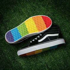 Vans Rainbow Sole Black Shoes Black Rainbow Shoes Sole Vans is part of Shoes - Vans Sneakers, Vans Customisées, Tenis Vans, Vans Sk8, Vans Shoes, Sneakers Fashion, Sneakers Style, Black Sneakers, Shoes Sandals