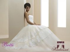 Wedding Dresses by Hadassa at Bridal Allure Designer Wedding Dresses, Wedding Gowns, Wedding Designs, One Shoulder Wedding Dress, Bridal, How To Wear, Collection, Fashion, Homecoming Dresses Straps