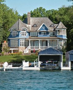 Love this house!! Blue Lake House on Lake Geneva in Wisconsin