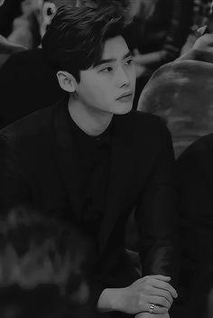 """""""I'll do anything to protect you"""" in which a psychopath steals the h… Lee Jong Suk Hot, Lee Jung Suk, Lee Jong Suk Wallpaper, Up10tion Wooshin, Parejas Goals Tumblr, Kang Chul, Han Hyo Joo, Bok Joo, Hyung Sik"""