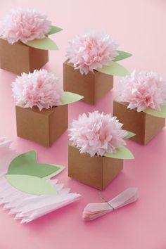 Pom pom flower boxes #DIY.
