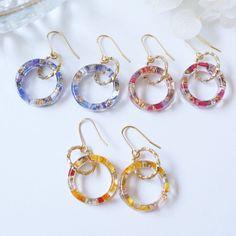 Diy Resin Earrings, Jewelry Design Earrings, Ear Jewelry, Resin Jewelry, Cute Jewelry, Jewelry Making, Diy Resin Art, Diy Resin Crafts, Handmade Accessories