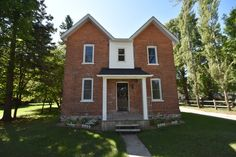 Beautiful Brick Home and Large Lot in Quiet Neighbourhood - A charming, brick family home on a quiet street in the friendly town of Stayner, with potential to sever lot in 2 or 4 lots!