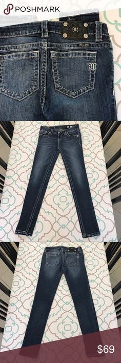 """💙👖Super Cute Miss Me Skinny Jeans👖💙26 1/2 30"""" 💙👖Super Cute Miss Me Skinny Jeans👖💙 Size 26 (1/2). 30"""" Inseam. Ankle Length Skinnies. 8"""" Rise. 14"""" Across Back. Awesome Stretch. Beautiful Dark Blue Wash. Light/medium Fading. Mid Rise. Skinny. Slight Factory Distressing on Hems & Pockets. Missing M on Coin Pockets. Tiny Snags have been treated with Fray block. Skinny! Miss Me! So Cute! The Buckle! Ask me any questions! : ) Miss Me Jeans Skinny"""