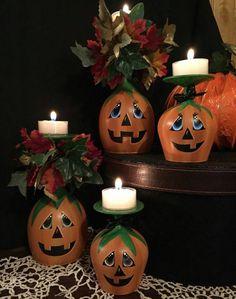 My hand painted pumpkin wine glasses Wine Glass Crafts, Cork Crafts, Wine Bottle Crafts, Fall Crafts, Holiday Crafts, Decorated Wine Glasses, Painted Wine Glasses, Diy Halloween Decorations, Halloween Crafts