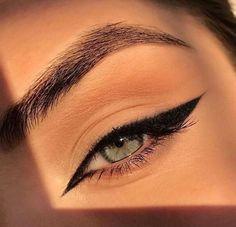 Makeup Eye Looks, Creative Makeup Looks, Eye Makeup Steps, Natural Eye Makeup, Cat Eye Makeup, Makeup Inspo, Makeup Inspiration, Makeup Tips, Hair Makeup