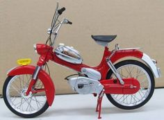 Tomos 2L rood | Motoren en bromfietsen | Modelbouw Wildervank Prijs € 59,95 http://www.modelbouwwildervank.nl/a-38762754/motoren-en-bromfietsen/tomos-2l-rood/