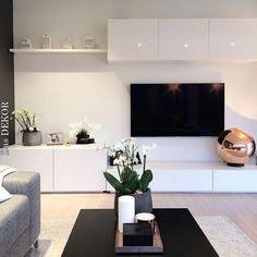 A importância de um móvel bem estruturado Die Bedeutung gut strukturierter Möbel Living Room Tv Unit, Ikea Living Room, Decor Room, Bedroom Decor, Home Decor, Master Bedroom, Home Interior Design, Interior Colors, Home And Living