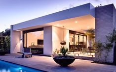 Gallery of Alphington House by InForm Design / The Local Project - The Local Project Contemporary Architecture, Architecture Design, Residential Architecture, Modern Exterior, Interior Modern, Pool Houses, Modern House Design, Outdoor Living, Mansions