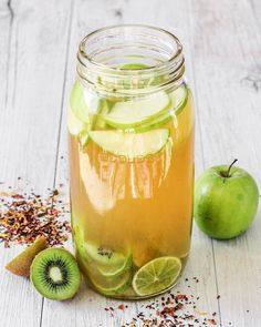 A cleanse a day keeps the doctor away! Kiwi Fruit Tea, All Natural Vitamins, Sources Of Dietary Fiber, Barley Grass, Tea Recipes, Kiwi Fruit Recipes, Drink Recipes, Cooking Recipes, Pantothenic Acid