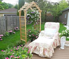 Junk Chic Cottage: Summer and Flowers and a Deck
