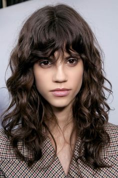 camille charri¨re got the ultimate french girl haircut and 15 curly bangs that prove this 2020 hair trends is hot … Curly Hair With Bangs, Short Hair With Bangs, Long Curly Hair, Hairstyles With Bangs, Curly Hair Styles, Natural Hair Styles, Thick Hair, Bangs Hairstyle, Braided Hairstyles