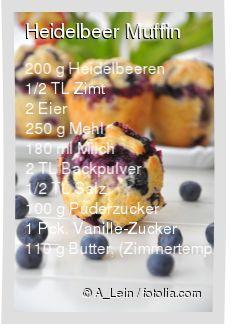 Leckeres Heidelbeer Muffin Rezept mit einfacher Schritt-für-Schritt-Anleitung: In einer Schüssel Mehl, Backpulver, Zimt und Salz vermischen , Milch, ges...