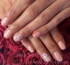 Yuko Nails And Esthetic La Deesse ジェルネイルデザイン♪ (定額制:Silver) カラーベースにポイントで3Dのお花をあしらった仕上がりに♪ Gel Nails, Silver, Beauty, Design, Gel Nail, Beauty Illustration, Money
