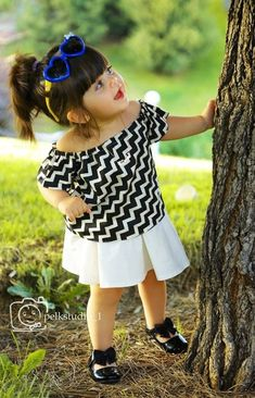 Image may contain: one or more people, child and outdoor Beautiful Baby Pictures, Cute Kids Photos, Cute Baby Girl Pictures, Beautiful Babies, Cute Baby Couple, Cute Little Baby Girl, Cute Baby Girl Wallpaper, Cute Baby Dresses, Cute Babies Photography