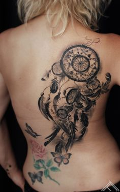 Dream Catcher Tattoo On Back - Large Dreamcatcher Design - Dream Catcher Tattoo: Dreamcatcher Tattoo Meaning, Ideas and Designs, Tattoos for Women 3d Tattoos, Trendy Tattoos, Foot Tattoos, Cute Tattoos, Body Art Tattoos, Girl Tattoos, Tattoos For Guys, Sleeve Tattoos, Sexy Tattoos