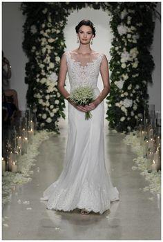 Image from http://www.weddingsunveiledmagazine.com/wp-content/uploads/2015/10/Anne-Barge-Fall-2016_0028.jpg.