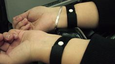 Acupressure wristband may help to relieve nausea in migraine