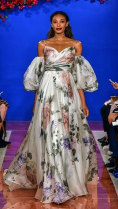 Simple Dress Simple Fall Dresses Inspirational Wedding Dress Styles and Trends for 2020 Simple Lace Wedding Dress, Wedding Dress Trends, Bridal Wedding Dresses, Wedding Dress Styles, Elegant Wedding, Floral Wedding, Wedding Ideas, Luxury Wedding, Stunning Dresses