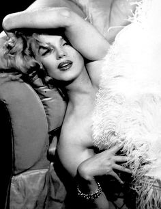Marilyn Monroe photographed by Richard Avedon, 1957.