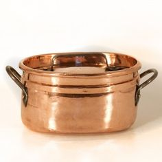 Copper oval pan, French, early 19th century (VII.119)