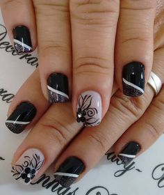 uñas verde oscuro Black Nails, White Nails, Pretty Blue Eyes, Nagel Gel, Dog Snacks, Flower Nails, Pretty Nails, Girly Things, Pedicure