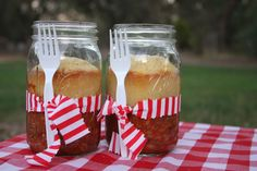 Mason Jar Food Wedding Ideas-chili and cornbread in a jar