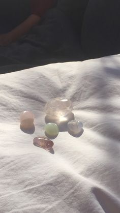 Aesthetic Photo, Aesthetic Pictures, Aesthetic Outfit, Auras, Crystals And Gemstones, Stones And Crystals, Crystal Aesthetic, Photo Dump, Jolie Photo