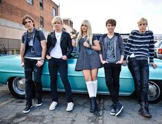 ross-lynch-r5-loud-video-06.jpg 885×681 pixels