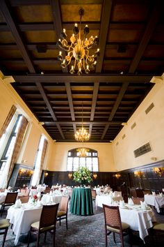 University Club of Portland Main Dining Room. #universityclubofportland #uclubpdx