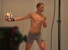 Manuel Neuer has claimed that he is an underdog to win the Ballon dOr because, unlike Cristiano Ronaldo, hes not some guy who poses in his underpants. However, just two months ago Neuer happily stripped down to his boxers for a Bayern Munich video. Paul Pogba, Gareth Bale, David Beckham, Cristiano Ronaldo, Dfb Team, International Football, Men's Football, Sport Man, Goalkeeper