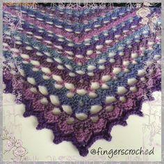 Jag känner mig ganska stolt! För ett tag sedan började jag leka medett eget mönster till en sjal och jag tycker att det blivitriktigt bra. Färgerna i sjalen påminner mig om ljung och tidig höst o…