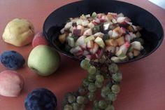 Salata cu fructe de la craiasa toamnei Eggs, Breakfast, Food, Salads, Recipes, Morning Coffee, Essen, Egg, Eten