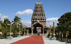 Hinduistischer Tempel in der Nähe von #Port #Louis #Mauritius Mauritius, Strand, Tower, Building, Rivers, Lakes, Beaches, Ocean, Island