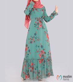 Fashion Muslimah, Abaya Fashion, Fashion Dresses, Muslim Women Fashion, Islamic Fashion, Hijab Style Dress, Pakistani Formal Dresses, Stylish Dress Designs, Indian Designer Outfits