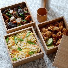 たったワンシーンですが、フードコーディネーターの飯島奈美さんが手がけた重箱のお弁当がとっても素敵なんです!ナチュラルな風合いながら美しさも感じるお弁当。