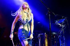Ellie Goulding Burns Bright at NYC Theater Show: Live Review | Billboard