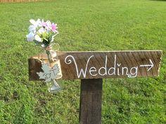Rustic wedding directional sign, country wedding sign, barn wood wedding, autumn wedding, shabby chic wedding, mason jar wedding on Etsy, $30.00