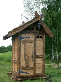 Outhouse Bathroom, Outdoor Toilet, Custom Stuff, Smokers, Birdhouses, Gypsy Style, Log Homes, Carpentry, Garden Art