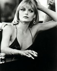 Elvira Hancock (played by Michelle Pfeiffer), in the movie Scarface. Joseph Fiennes, Harrison Ford, Robert Redford, Sean Connery, George Clooney, Brad Pitt, Michelle Pfeiffer Scarface, Low Cut Dresses, Film Serie