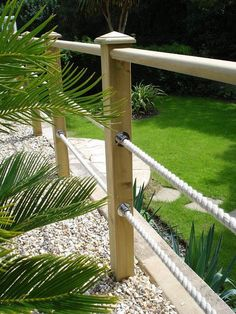 Gorgeous Backyard Landscape With Edging Lawn Design Ideas - All About Garden Garden Railings, Deck Railings, Rope Railing, Railing Ideas, Decking Handrail, Fence Ideas, Patio Handrail Ideas, Deck Balustrade Ideas, Decking Fence