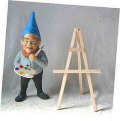 Gartenzwerge lieben Kunst. Der Gartenzwerg hat seine Farbpalette, Pinsel und Staffelei schon bereit und wartet nun auf die Leinwand... Der Zwerg ist ein wahrer Künstler.  www.zwergen-power.com