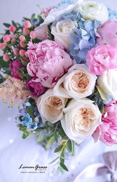 Beautiful Bouquet Of Flowers, Beautiful Flower Arrangements, Amazing Flowers, Beautiful Roses, Fresh Flowers, Floral Arrangements, Beautiful Flowers, Floral Bouquets, Wedding Bouquets
