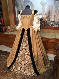 Custom Sized Elizabethan Renaissance Court Gown for Nobility Renaissance Fair Costume, Renaissance Costume, Renaissance Clothing, Renaissance Fashion, Historical Clothing, Steampunk Clothing, Viking Dress, Medieval Dress, Vestidos Vintage