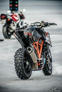 KTM 1290 Superduke off road
