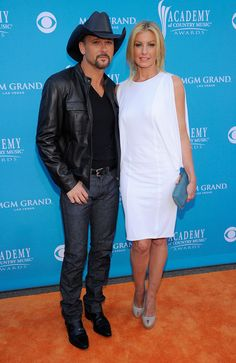 Tim McGraw and Faith Hill arrive for the Annual Academy of Country Music Awards at the MGM Grand Garden Arena on April 2010 in Las Vegas, Nevada. Academy Of Country Music, Country Music Awards, Country Music Artists, Country Singers, Country Love Songs, Country Boys, Tim Mcgraw Family, Tim And Faith, Tim Mcgraw Faith Hill
