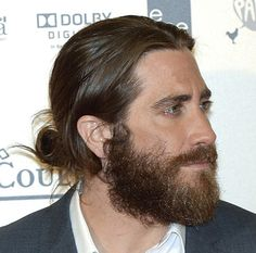 Man buns are the top men's hairstyle for long hair. Check out the latest ways to wear man bun styles for all hair types, even braids and dreadlocks. Popular Mens Hairstyles, Easy Hairstyles For Long Hair, Everyday Hairstyles, Straight Hairstyles, Hairstyles Men, Formal Hairstyles, Wedding Hairstyles, Bald With Beard, Beard Fade